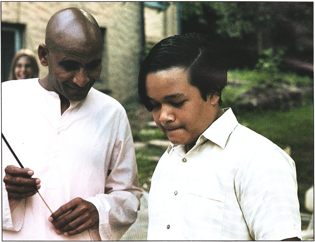 Mahatma Gurucharanand With The Young Lord Of The Universe Prem Rawat