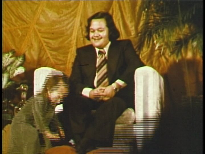 Prem Rawat's (Maharaji) Daughter Kissing His Feet Atlantic City 1976